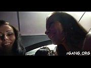 Мамаша застукала доч с парнем порно видео