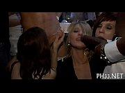 Секс с карликом порно видео смотреть