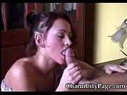 Секс видео зрелая женщина в чулках соблазнила парня