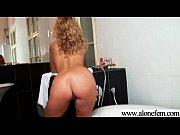 Девушка голая переодевает колготки видео