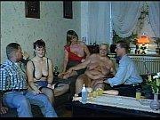 Смотреть секс лесбиянок дочки и мамы