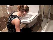 Порно видео первый раз рвут целку на русском