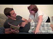 Женщина нюхает свои трусики порно видео