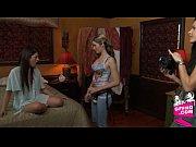 Смотреть молодая мать соблезнила сына занятся сэксом