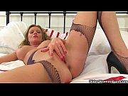 Прозрачные стринги раздвинутые ноги порно