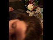 Видео села влагалищем на перило