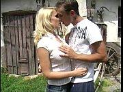 Мамаша учить дочку секса відео дойки