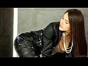 Порно геи в женском берут в рот