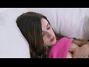 Порно видео русские дома брат попросил лешить сестру целку