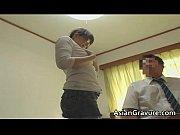 Бесстыжие бабы в леггинсах видео