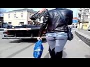 Русский муж смотрит какжена страстно занимается сексом