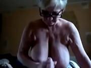 70 летнюю бабулю трахают