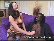 Посмотреть видео порно трахает женщину с обезьяну