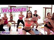 Hugwap.com Fitness Rooms Flexible young teen fucks her tea...