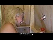 Горячий секс в лифте с блондинкой