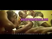 Женщины с сиськами с молоко видео