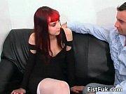 Девушки решили поиграть с пенисами