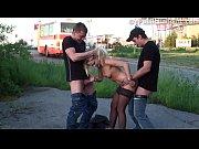Смотреть видео подсмотрел за соседкой как она мастурбирует