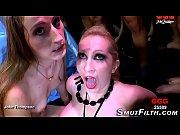 Смотреть онлайн как танцует стрептис девушек смотреть онлайн