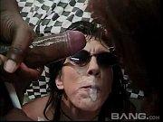 Ролики массаж скромной девушки