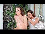 смотреть кино порно лезбиянка лижет пизду маме