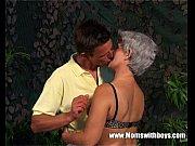 Видео сын трахает мать смотреть