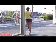 Японка смотрит на прыгающий член и изнывает от похоти видео