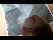 Смотреть жесткий анальный трах с классной пышнозадой брюнеткой на диване