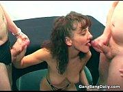 Порно мачеха подглядывает за пасынком онлайн