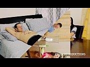 Сестра делает массаж члена видео на русском языке