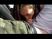 Молодая русская крошка резвится со зрелым мужиком
