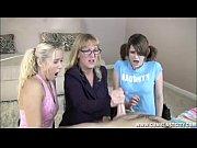 Порно видео: групповой секс красавиц-лесбиянок