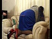 Трахнула спящего парня страпоном