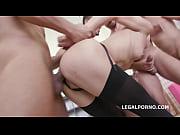 Порно молодая сучка в мини юбке