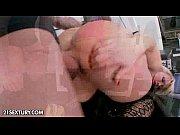 Порно в бане сженой и ее подругой