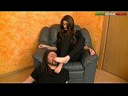 Видео как мужчина снимает трусы и показывает жопу