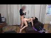 Порно трахает свою подругу и кончает в нее