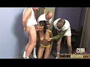 Девушка снимает юбочку а под ней белые трусики