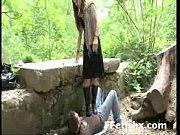 Пацан лапает девку