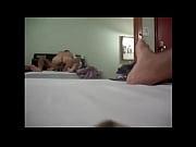 Порно зрелых снимает на камеру как ее ебет