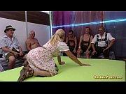 Играть бить по красивой заднице привязаных девак играть ииграть играть играть играть