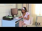 Видео как в офисе на совещании трахают секретаршу толпой