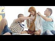 Мать умоляет сына дать ей член порно видео