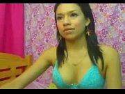 perfect body latina masturbates on cam