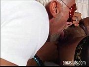 порно с фистингом и расширителем в попу