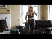 Подруга делает массаж подруге видео онлайн порно