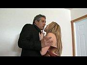 На яву муж поймал жену на скрытую камеру