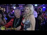 смотреть порно 2 жирные старухи ебут друг друга