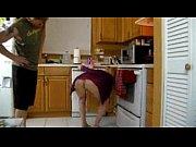 Foi cozinhar e acabou dando o cuzinho