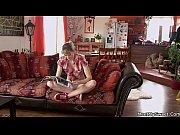 Видео онлайн молодые российские девушки отдыхают в ночном клубе